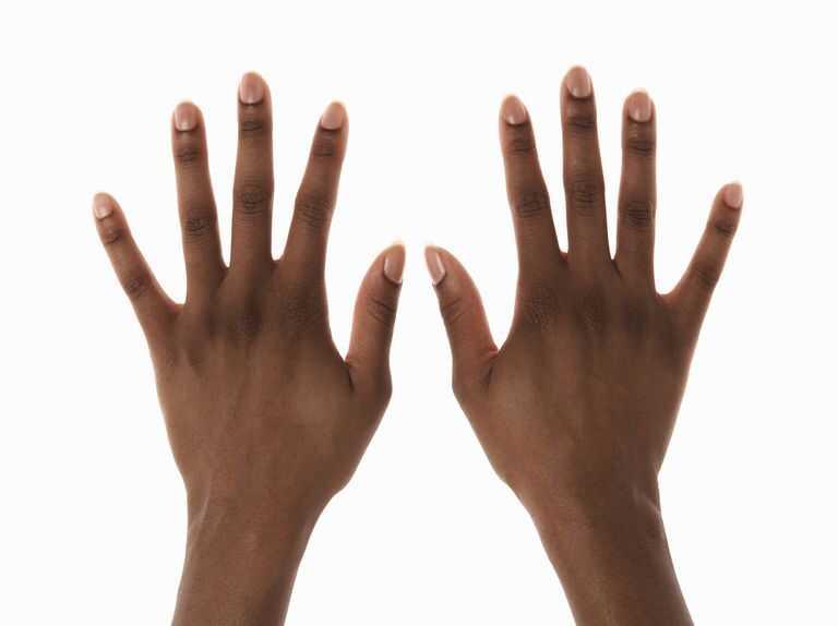hår på fingrene