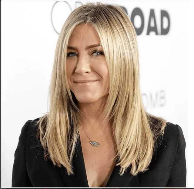 Jennifer Anistons Beste Frisuren Im Laufe Der Jahre Lifeboatproject Eu